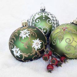 God Jul & Gott Nytt År önskar vi på Bemötia!
